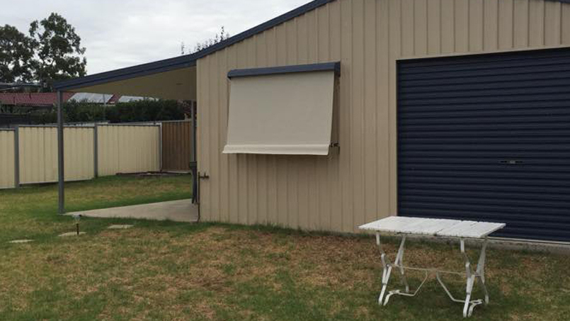 Automatic Lock Arm Awnings