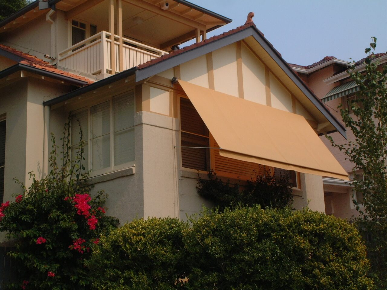 Pivot Arm Awning Convertible